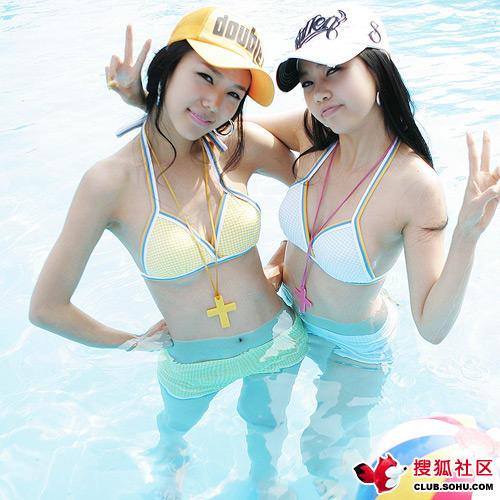 泳池边的韩国美少女5