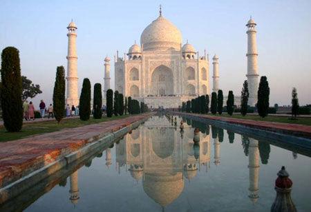 印度为迎奥巴马 出动600人清扫泰姬陵