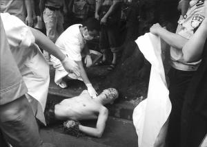 一男子被指少女广州街头遭殴打致死
