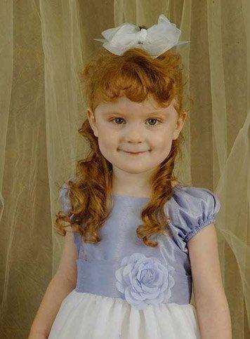 国外花童可爱发型胜似洋娃娃2图片