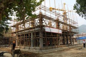 正在建设中的校舍
